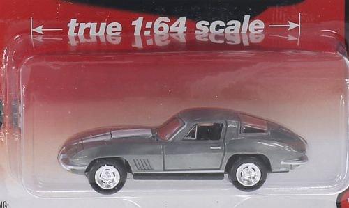 Auto World Chevrolet Corvette StingRay 427 1:64