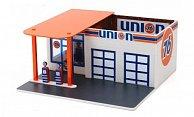 Diorama Vintage Gas Station