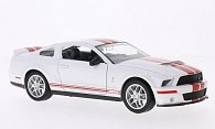Shelby GT 500 mit roten Streifen