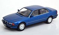 BMW 740i (E38)