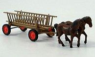 Pferdegespann mit Leiterwagen