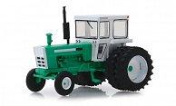 - Traktor mit Zwillingsbereifung