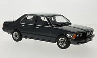 BMW 733i (E23)