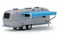 Airstream Land Yacht Safari