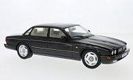 Jaguar XJR (X300)